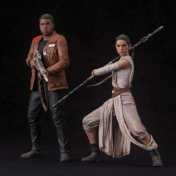 Star Wars: The Force Awakens ArtFX+ 1/10 Scale Figure - Rey & Finn