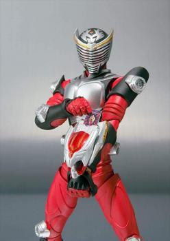 Kamen Rider S.H.Figuarts Action Figure - Kamen Rider Ryuki (Dragon Knight)